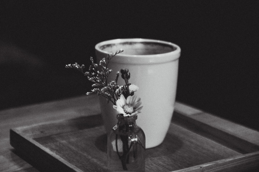 Beautiful mug and flower at arriate flower café